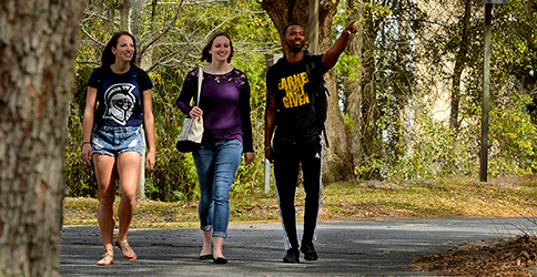 Students walking through UWF Pensacola Campus